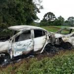 Veículos-queimados-1