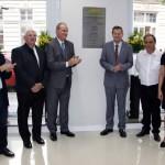 O descerramento da placa inaugural foi realizado pelos dirigentes do Sicredi