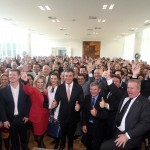 Prefeitos e autoridades com o governador Beto Richa