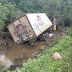 Acidente vom caminhão de na BR 277 na Vaca Morta_1