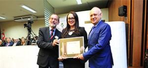 Presidente da Câmara Municipal recebe Menção Honrosa-site