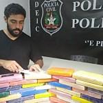 Delegado Pedro Henrique Mendes com a droga apreendida na segunda-feira
