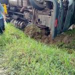 caminhão tombado_3