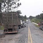 Acidente PR 151 caminhão de toras _3