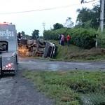 Acidente PR 151 caminhão de toras _6