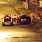 Motorista foge da polícia e bate em monte de terra_1