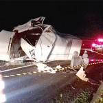 Acidente na BR 277 caminhão e Van_3