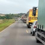 Acidente na PR151 entre ônibus e caminhão _4