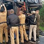 Acidente na PR151 entre ônibus e caminhão _6