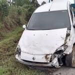 Carro sai da pista e capota na PR 151 - Divulgação - PRE