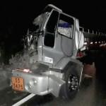Acidente entre dois caminhões na BR 277 no km 197__6