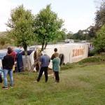 Caminhão que tombou em  Coxilhão do Meio na PR 151__6