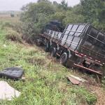 Acidente entre caminhões interdita a PR 151 no sábado_4