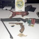 Arma e objetos apreendidos_1
