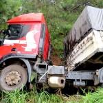 Acidente saída de pista na PR-151 em Palmeira_foto Élder Scolimoski_Rádio Ipiranga_5