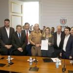 Gopvernadora Cida Borghetti durante assinatura na segunda-feira 1
