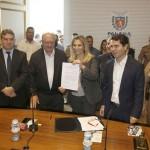 Governadora Cida Borghetti durante assinatura na segunda-feira