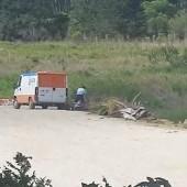 Imagem tirada do vídeo que circulou na internet no momento do descarte irregular de resíduos no Distrito Industrial