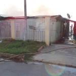 Incêndio em residência no Bairro Regina Vitória_foto Moacir Guchert_10