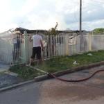 Incêndio em residência no Bairro Regina Vitória_foto Moacir Guchert_11
