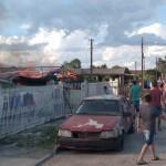 Incêndio em residência no Bairro Regina Vitória_foto rede social  WhatsApp