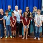 Premiação da Maratona Intelectual do Rotary_troféu de terceiro lugar_EM Anna Ferreira de Freitas_foto Moacir Guchert