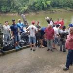 Ação de limpeza no Rio Iguaçu pelo Rotary Club de Palmeira e Iate Clube em comemoração ao Dia do Rio-foto divulgação (1)