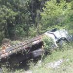 Caminhão carregado de bebidas tomba na PR 151 (5)