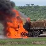 Caminhão carregado de batatas pega fogo na PR 151_8