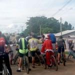 Grupo de Ciclistas Bora Pedalar levou o Papai Noel até as crianças carentes (10)