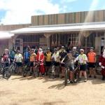 Grupo de Ciclistas Bora Pedalar levou o Papai Noel até as crianças carentes (2)