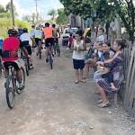 Grupo de Ciclistas Bora Pedalar levou o Papai Noel até as crianças carentes (7)