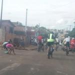 Grupo de Ciclistas Bora Pedalar levou o Papai Noel até as crianças carentes (8)