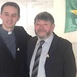 José Casemiro Wansovicz_Zuza_com o Padre Osni dos Anjos_Divulgação