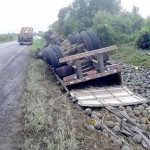 Motorista morre após tombar caminhão na PR 151__5