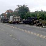 Motorista morre após tombar caminhão na PR 151__6