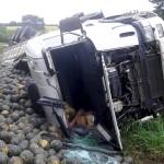 Motorista morre após tombar caminhão na PR 151__8