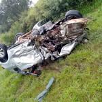Acidente com 4 veículos na BR-277 em Palmeira deixa um morto e dois feridos graves_fotos rede social WhatsApp (3)
