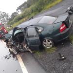 Acidente com 4 veículos na BR-277 em Palmeira deixa um morto e dois feridos graves_fotos rede social WhatsApp (6)
