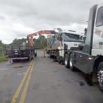 Acidente entre dois caminhões na PR 151 no Rio Caniú_4
