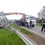 Acidente entre dois caminhões na PR 151 no Rio Caniú_7