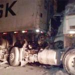 Acidente com dois caminhões na BR-277 deixa duas vítimas feridas gravemente_4