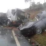 Acidente entre carro e caminhão deixa três vítimas fatais na BR 277_foto 5 Rede Social WhatsApp