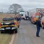 Acidente entre carro e caminhão mata motorista de Saveiro na PR 151 entre Palmeira e Ponta Grossa_ foto grupo BR 277