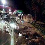 Colisão frontal entre dois veículos na BR-277 deixa cinco feridos_foto rede social WhatsApp 3