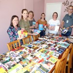Entrega de livros pela Caminhos do Paraná à secretaria de educação_foto Moacir Guchert (2)