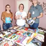 Entrega de livros pela Caminhos do Paraná à secretaria de educação_foto Moacir Guchert (5)